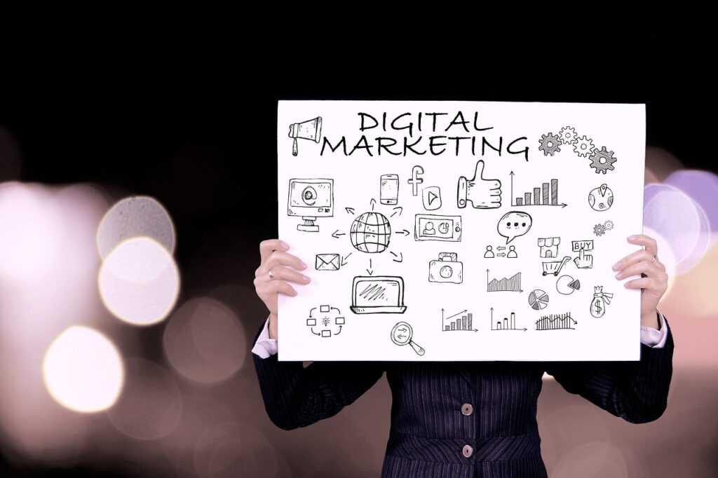 Digital Marketing Online Content  - Tumisu / Pixabay
