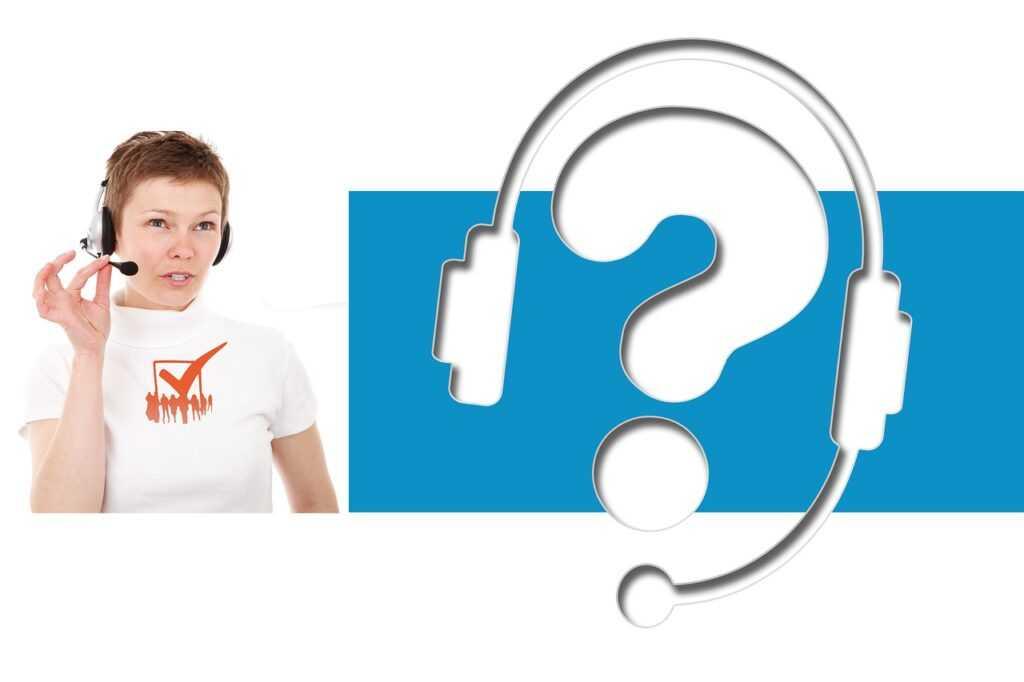 Woman Agent Headphones Headset  - geralt / Pixabay