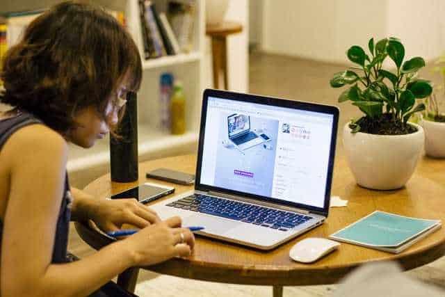 woman creating a wordpress post